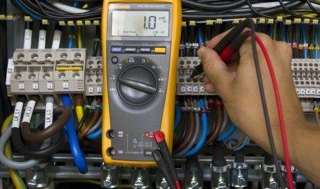 Entreprise professionnelle d'électricité pour la remise aux normes de panneau électrique